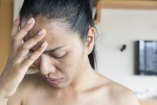 Interdit de guérir avec la médecine hormonale !